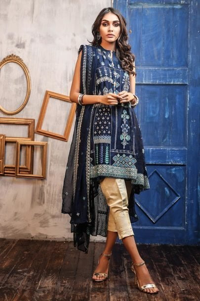 lsm_daastan_embroidered_formal_collection_2019_de_9901_01