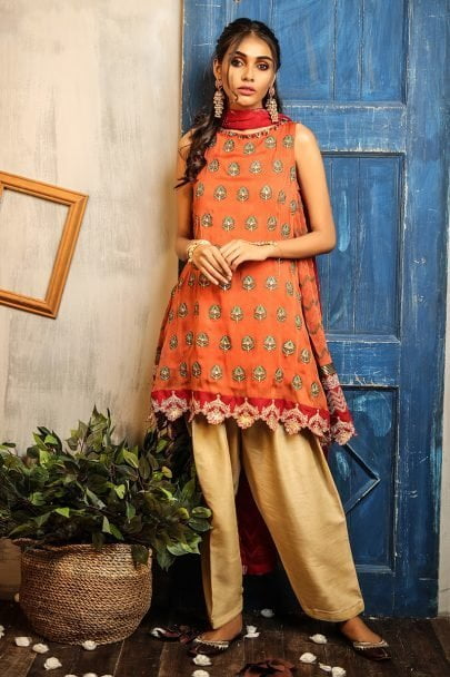 lsm_daastan_embroidered_formal_collection_2019_de_9903_01