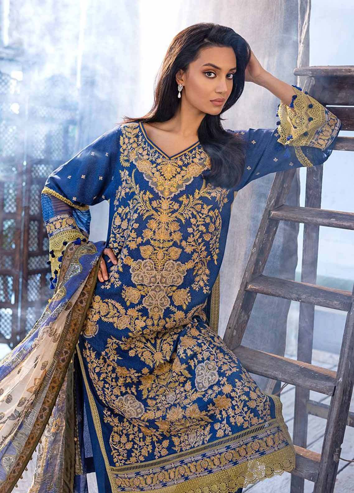 Sobia Nazir Embroidered Silk Karandi Suit Unstitched 3 Piece 02A – Autumn/Winter Collection