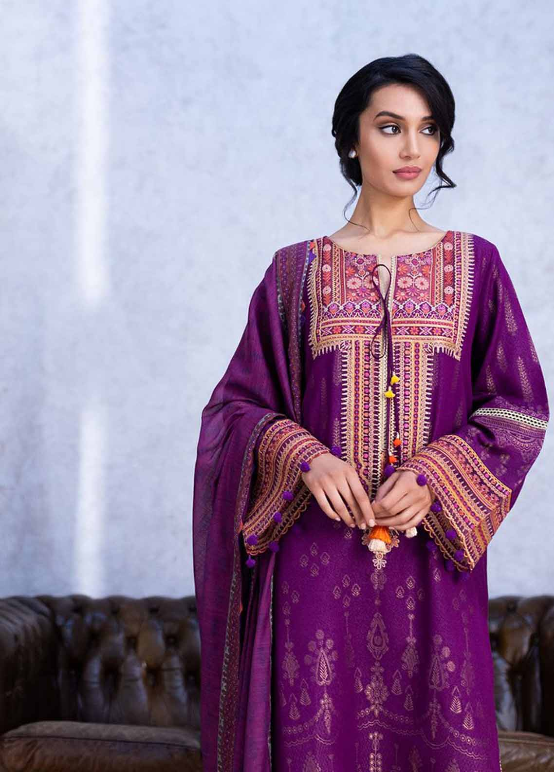 Sobia Nazir Embroidered Silk Karandi Suit Unstitched 3 Piece 07A – Autumn/Winter Collection