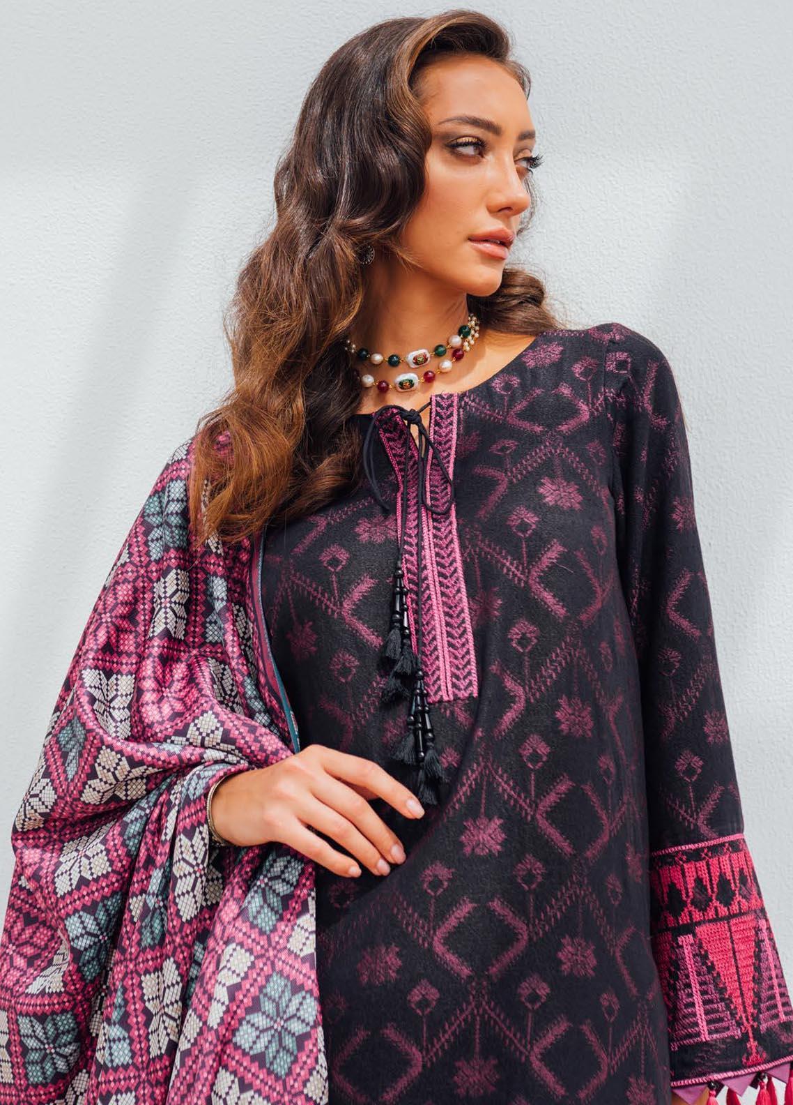 Saira Rizwan Embroidered Cotton Karandi Suit Unstitched 3 Piece 04 GULLALAI – Winter Collection