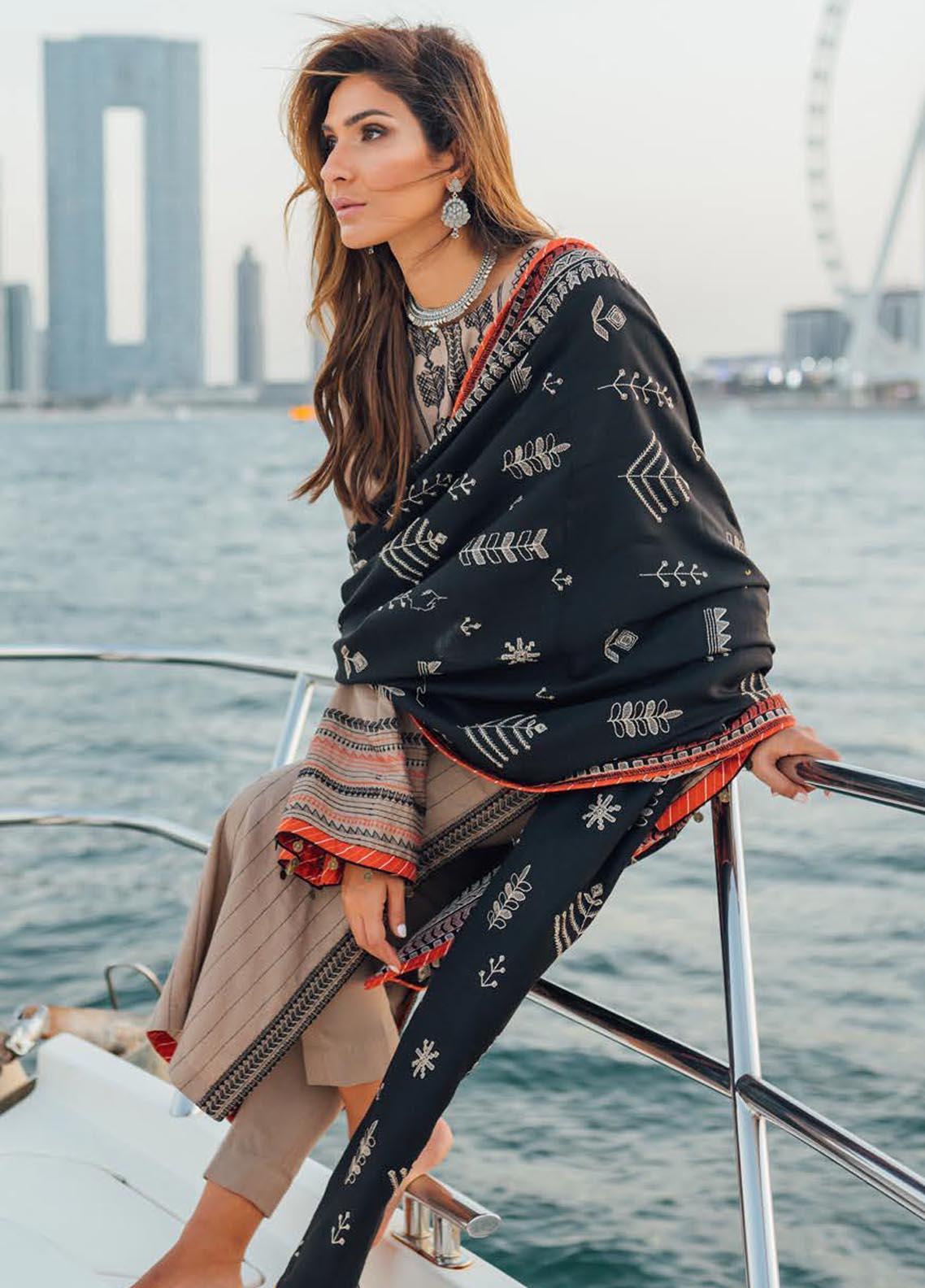 Saira Rizwan Embroidered Cotton Karandi Suit Unstitched 3 Piece 07 ZAHAL – Winter Collection